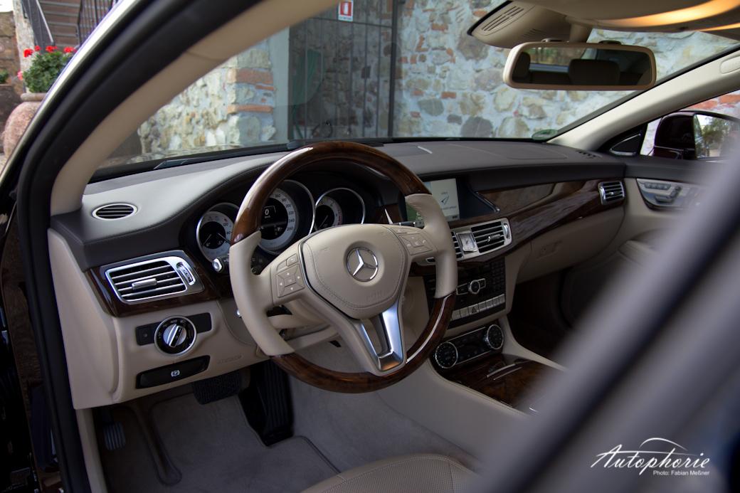 cls-shooting-brake-interior
