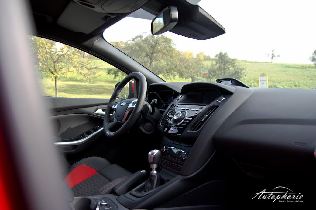 focus-st-cockpit