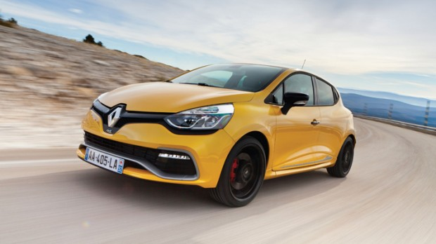 2013_Renault_Clio_RS_200_Front
