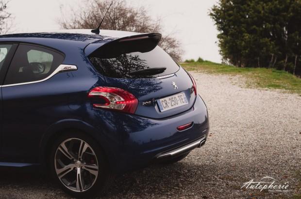 Peugeot_208_GTi_Heck