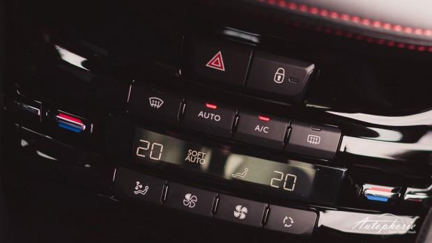 Peugeot_208_GTi_Mittelkonsole