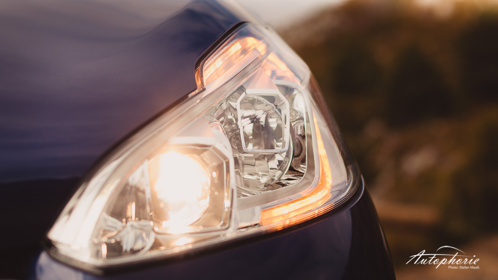 Peugeot_208_GTi_Scheinwerfer