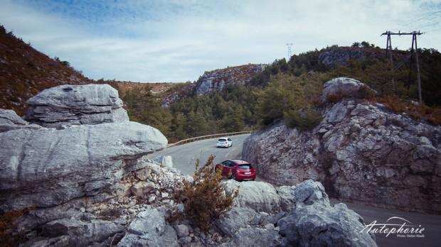 Peugeot_208_GTi_Serpentinen_Nizza
