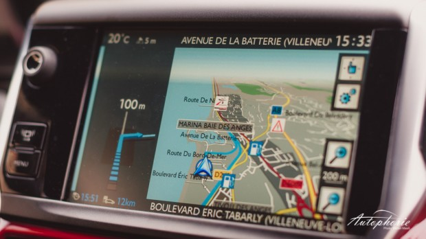Peugeot_208_GTi_Touchscreen_Navigation