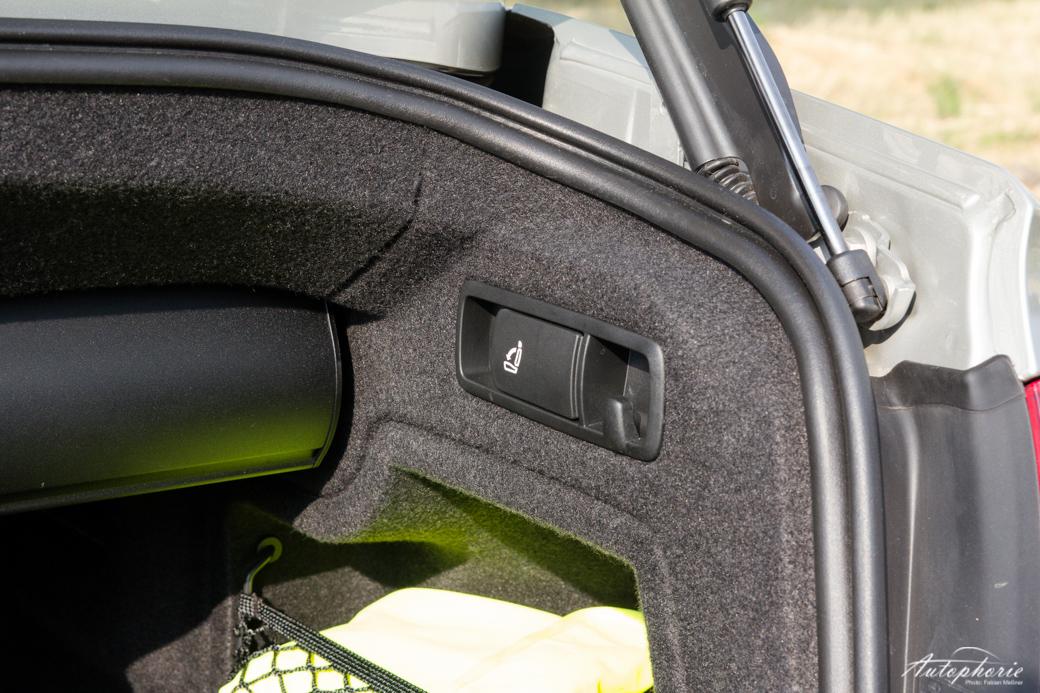 audi-a5-cabriolet-kofferraum-sitzentriegelung