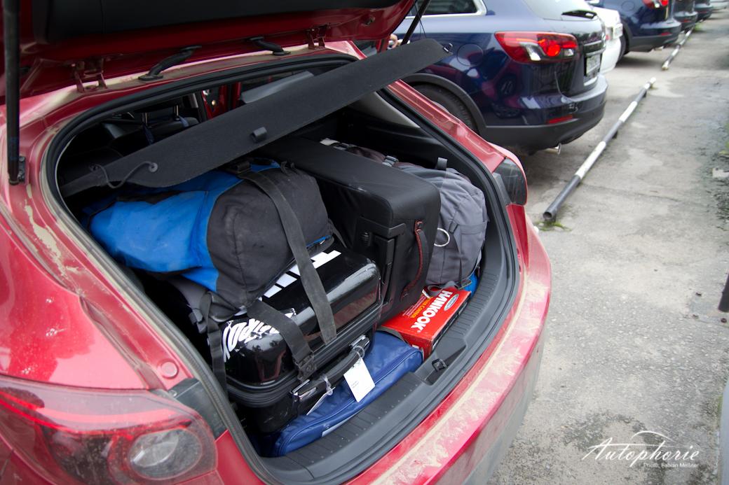 mazda3-kofferraum-gefuellt