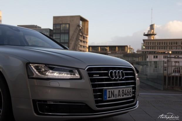 2014-Audi-A8-quattro-Facelift-5641