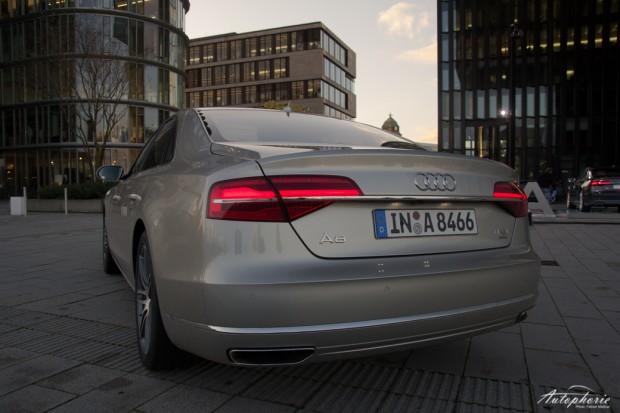 2014-Audi-A8-quattro-Facelift-5652
