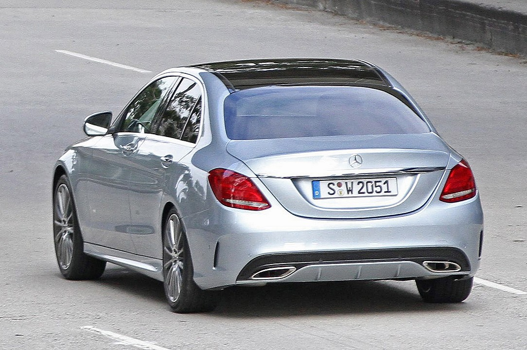 Neue mercedes benz c klasse w205 bei videodreh for Mercedes benz of barrington