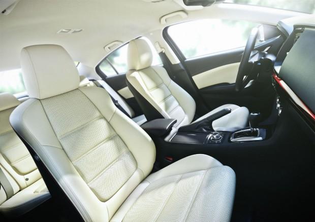 Mazda6_2012_innenraum-weisses-leder (2)