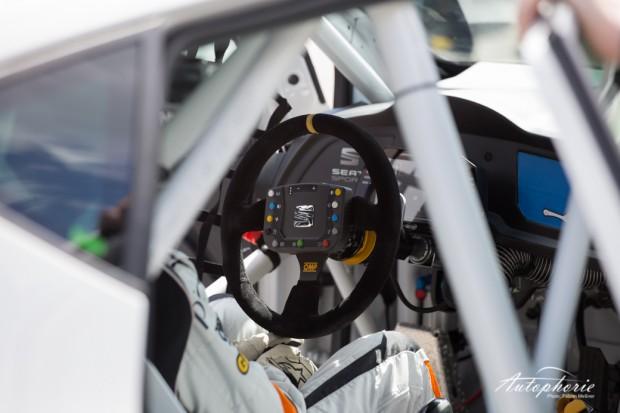 Seat-leon-cup-racer-lenkrad-innen