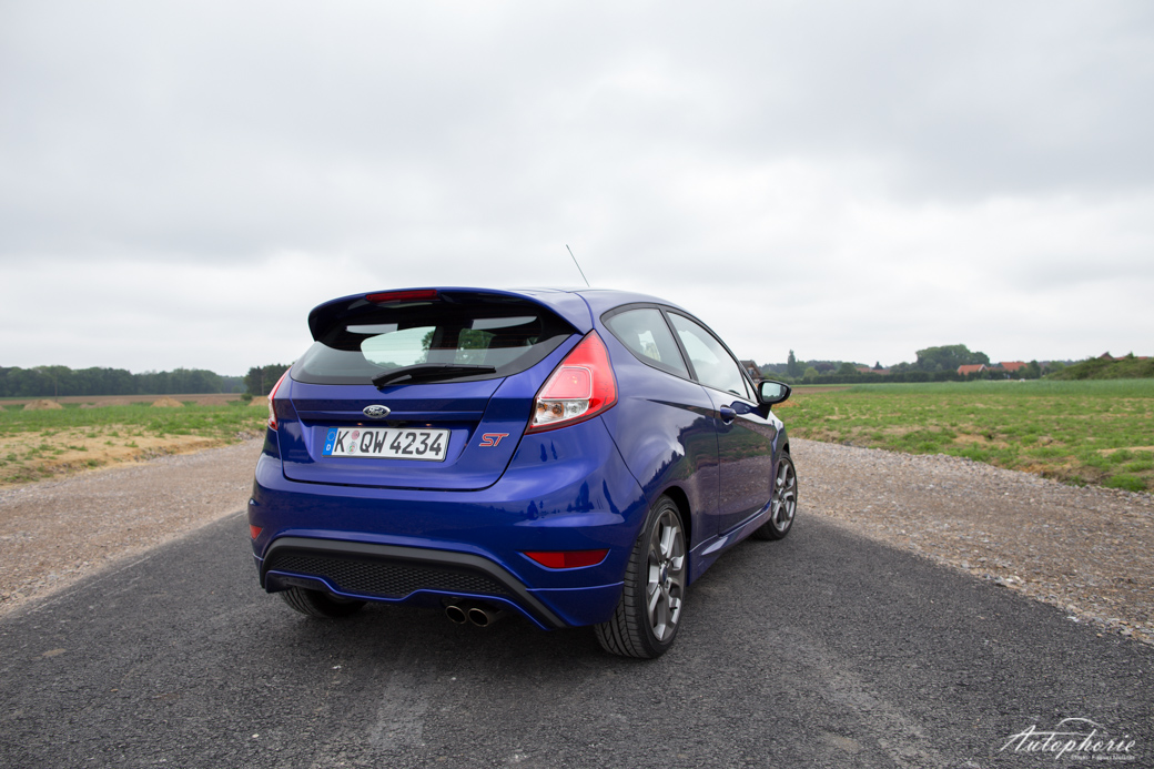 ford-fiesta-st-supermini-3970