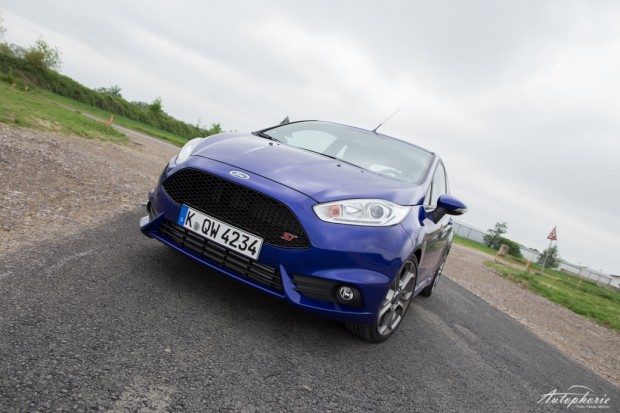 ford-fiesta-st-supermini-3986