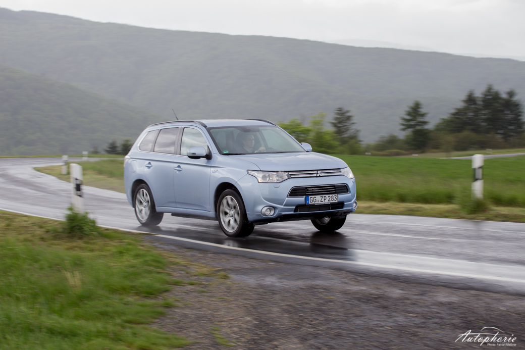 mitsubishi-outlander-plug-in-hybrid-test-4691
