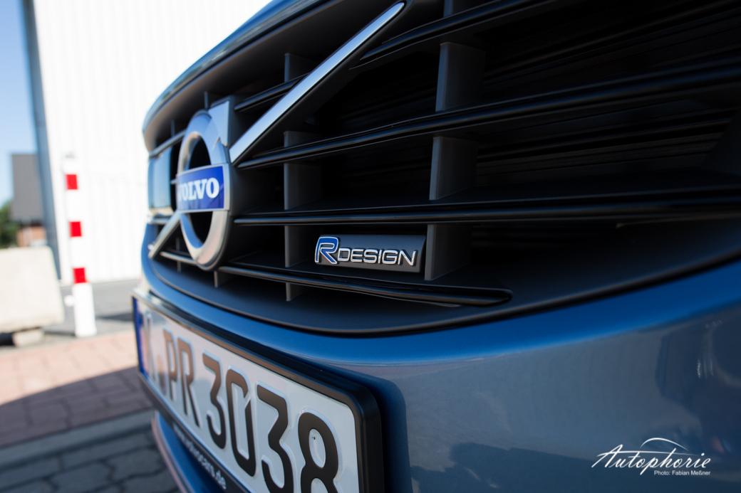 2015-volvo-V60-plug-in-hybrid-r-design-9555