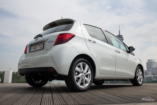 toyota-yaris-facelift-test-0689