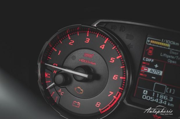 2014-Subaru-WRX-STI-Drehzahlmesser