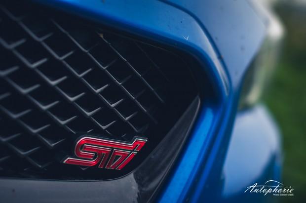 2014-Subaru-WRX-STI-Emblem