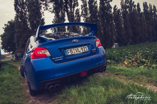 2014-Subaru-WRX-STI-Heck