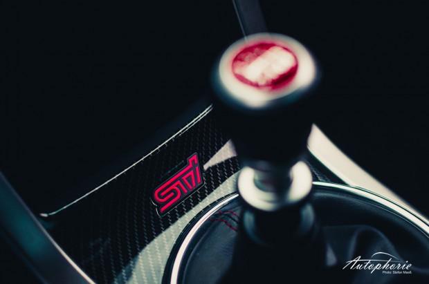 2014-Subaru-WRX-STI-Schaltknauf