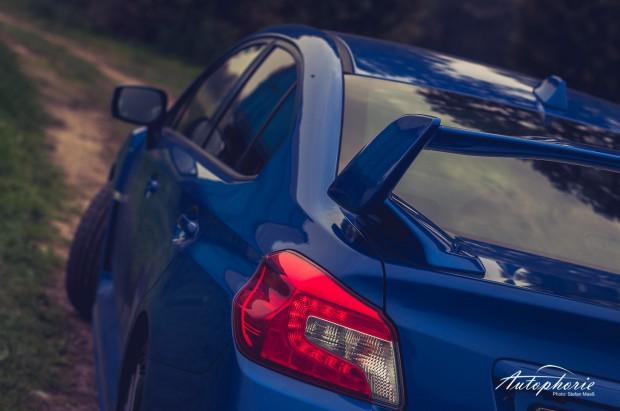 2014-Subaru-WRX-STI-Schulterlinie