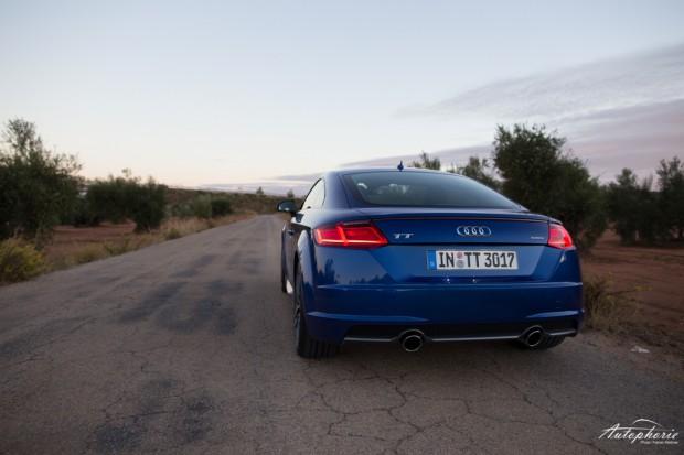 audi-tt-coupe-2-0-tfsi-quattro-blau-1878