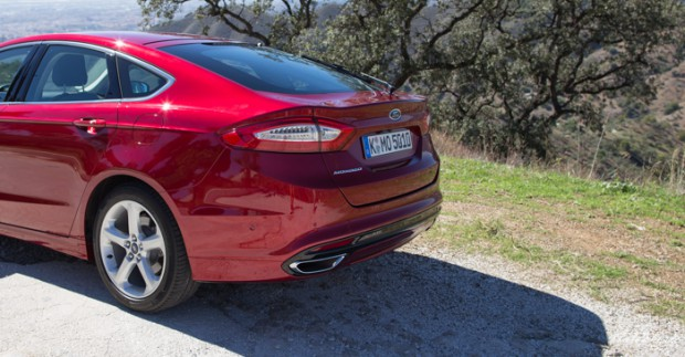neuer-ford-mondeo-ruby-rot-titanium-testfahrt-2089