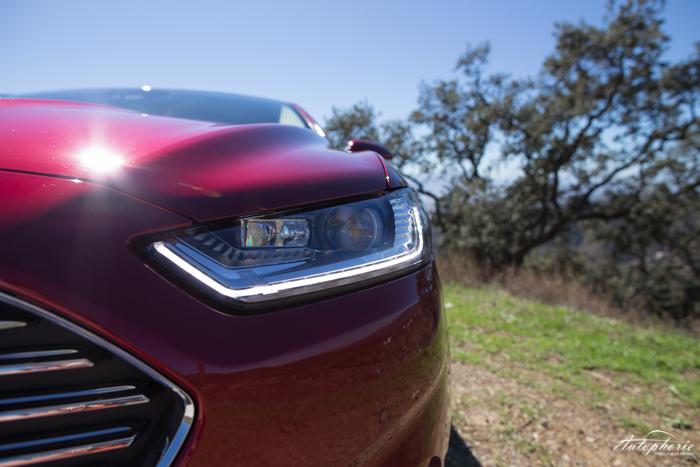 neuer-ford-mondeo-ruby-rot-titanium-testfahrt-2095