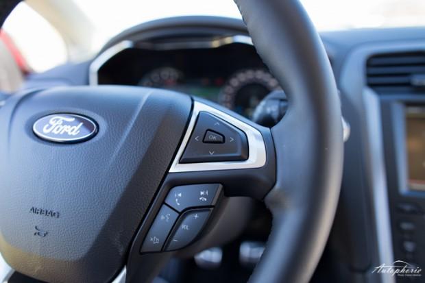 neuer-ford-mondeo-ruby-rot-titanium-testfahrt-2103