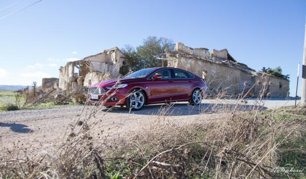 neuer-ford-mondeo-ruby-rot-titanium-testfahrt-2130