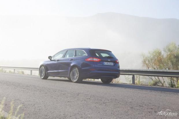 neuer-ford-mondeo-turnier-indy-blau-titanium-testfahrt-2153