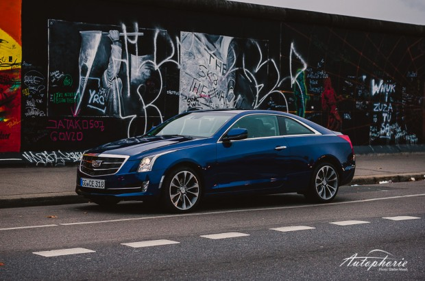 Cadillac-ATS-Coupe-20T-AWD-Mauer