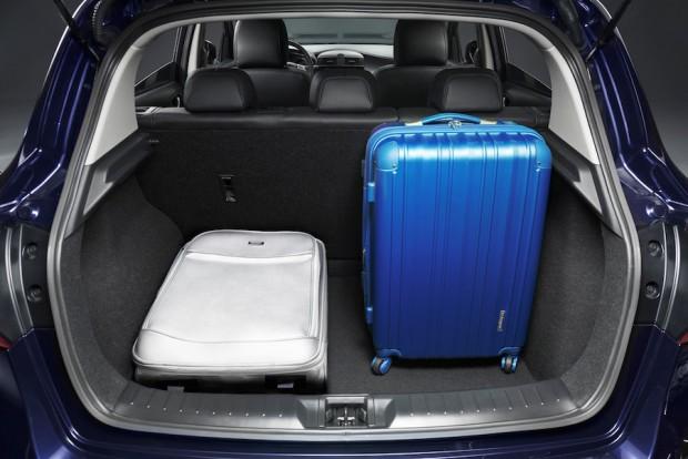 Nissan-Pulsar-Kofferraum
