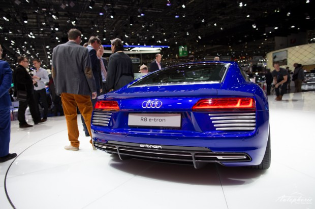 genf-autosalon-highlight-audi-r8-etron-4327