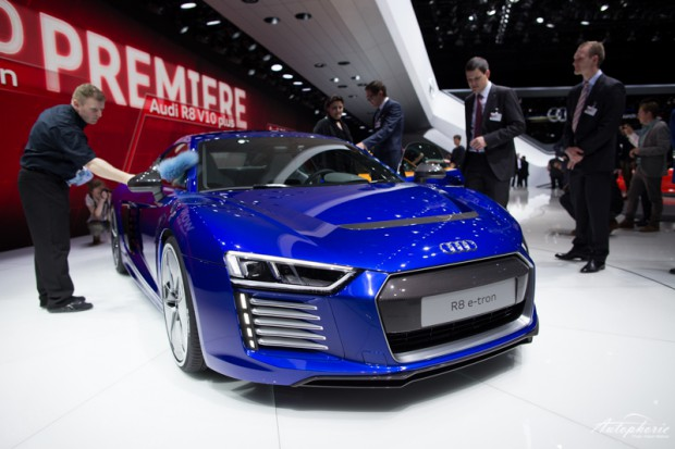 genf-autosalon-highlight-audi-r8-etron-4332