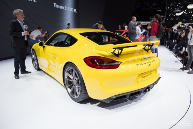 genf-autosalon-highlight-porsche-cayman-gt4-4297