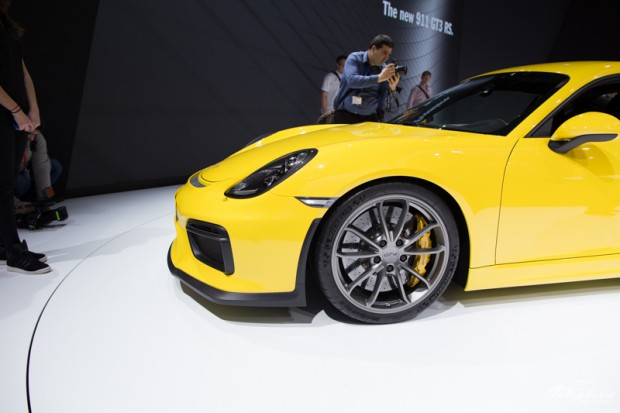 genf-autosalon-highlight-porsche-cayman-gt4-4299