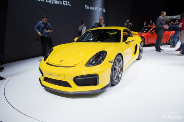 genf-autosalon-highlight-porsche-cayman-gt4-4303