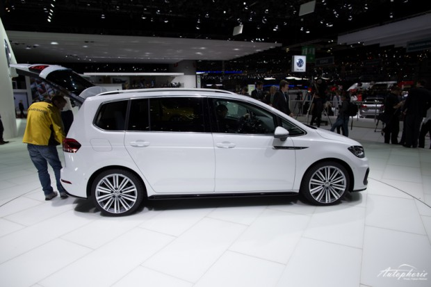 genf-autosalon-highlight-vw-touran-r-line-4233