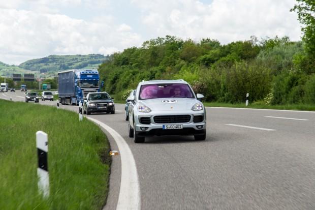 porsche-eco-rallye-cayenne-plug-in-hybrid-3