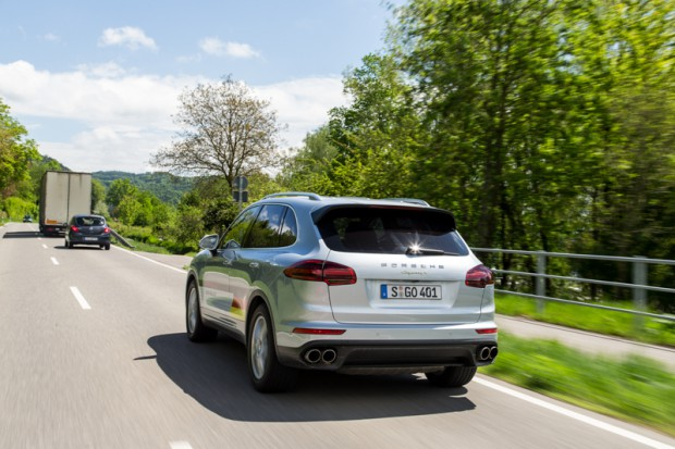 porsche-eco-rallye-cayenne-plug-in-hybrid-8