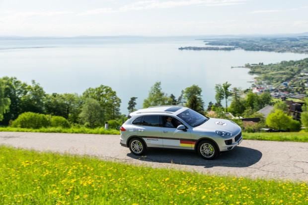 porsche-eco-rallye-cayenne-plug-in-hybrid-9
