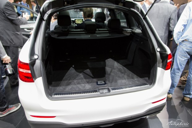 mercedes-benz-glc-250d-kofferraum-ladekante-7694