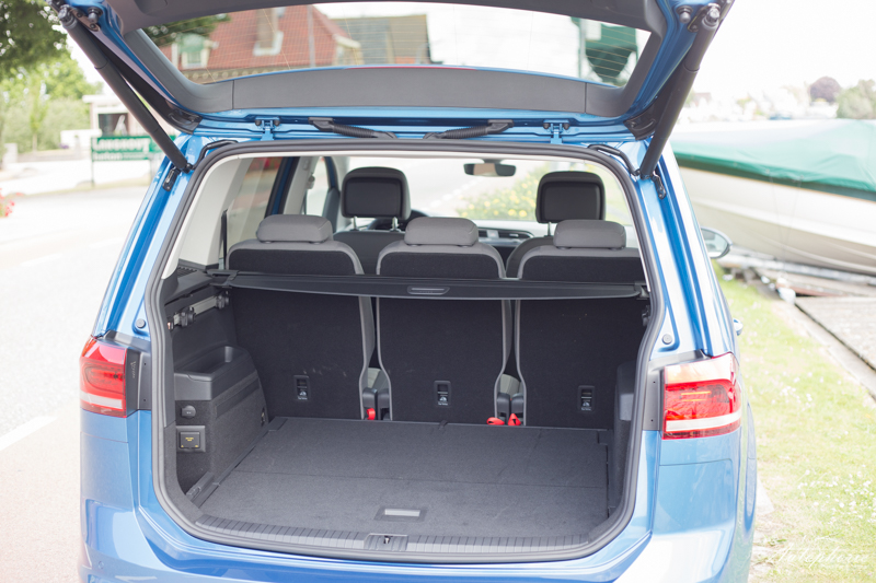 fahrbericht neuer vw touran 2 0 tdi. Black Bedroom Furniture Sets. Home Design Ideas