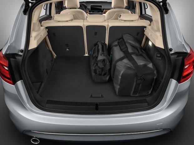 BMW-225xe-kofferraum