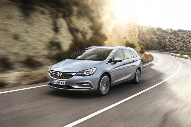Opel-Astra-Sports-Tourer-frontal