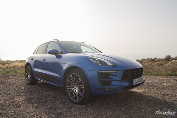 Porsche Macan GTS blau