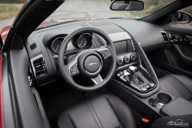 Jaguar F-Type Cockpit Cabriolet