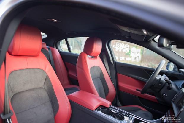 Jaguar XE S rotes Leder