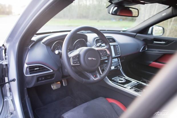Jaguar XE S Cockpit